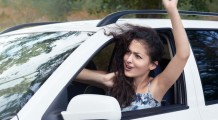 bigstock-angry-girl-driver-inside-car-125280341-725x400