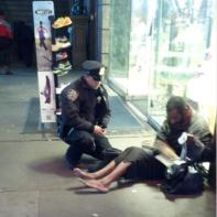 cop_homeless_man