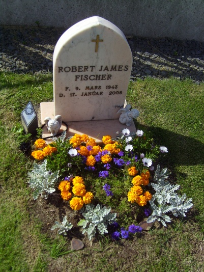Bobby_Fischer_grave