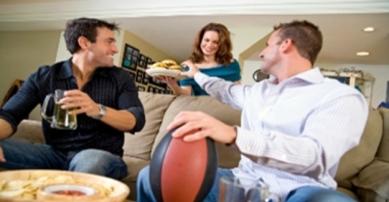 men-watching-game