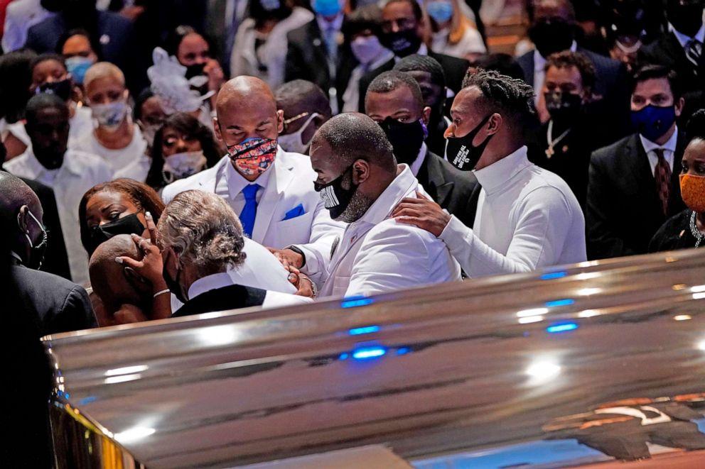 george-floyd-funeral-fountain-praise-church-houston-09-gty-jc-200609_hpEmbed_3x2_992