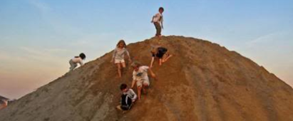 king-of-the-hill-childrens-game
